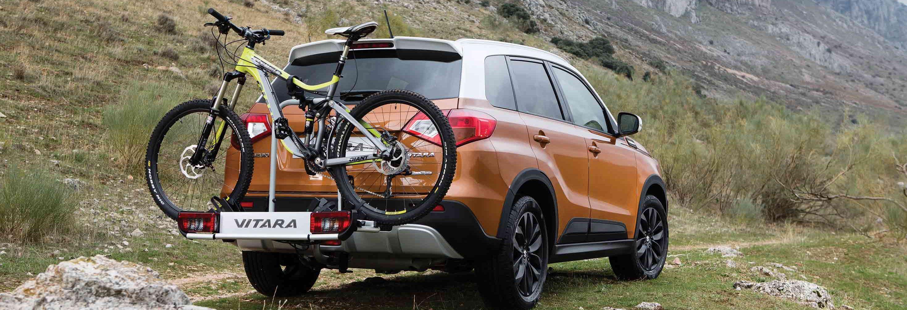 Installer un porte-vélo sur une voiture image